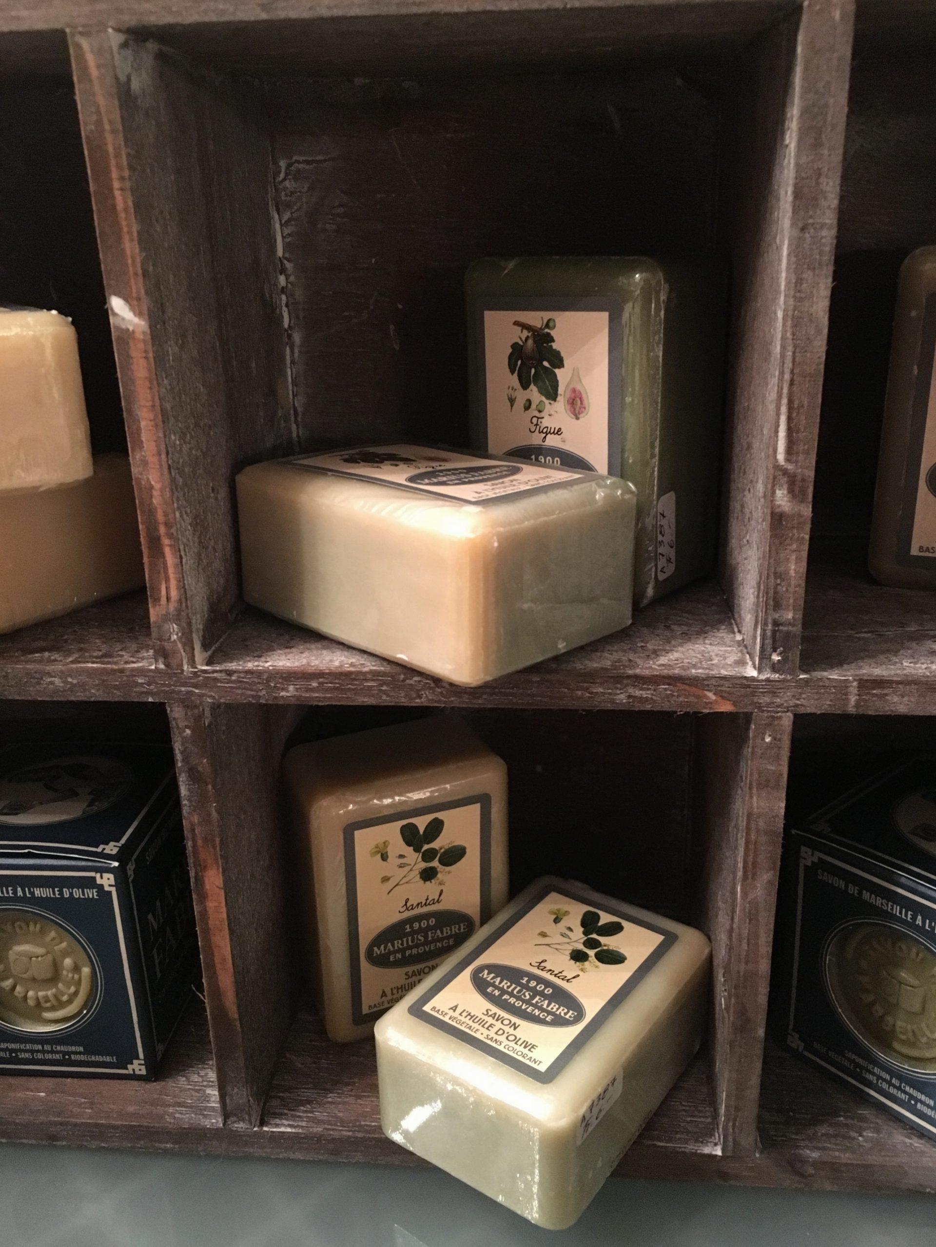 Prodotti corpo all'olio di oliva e sapone di marsiglia