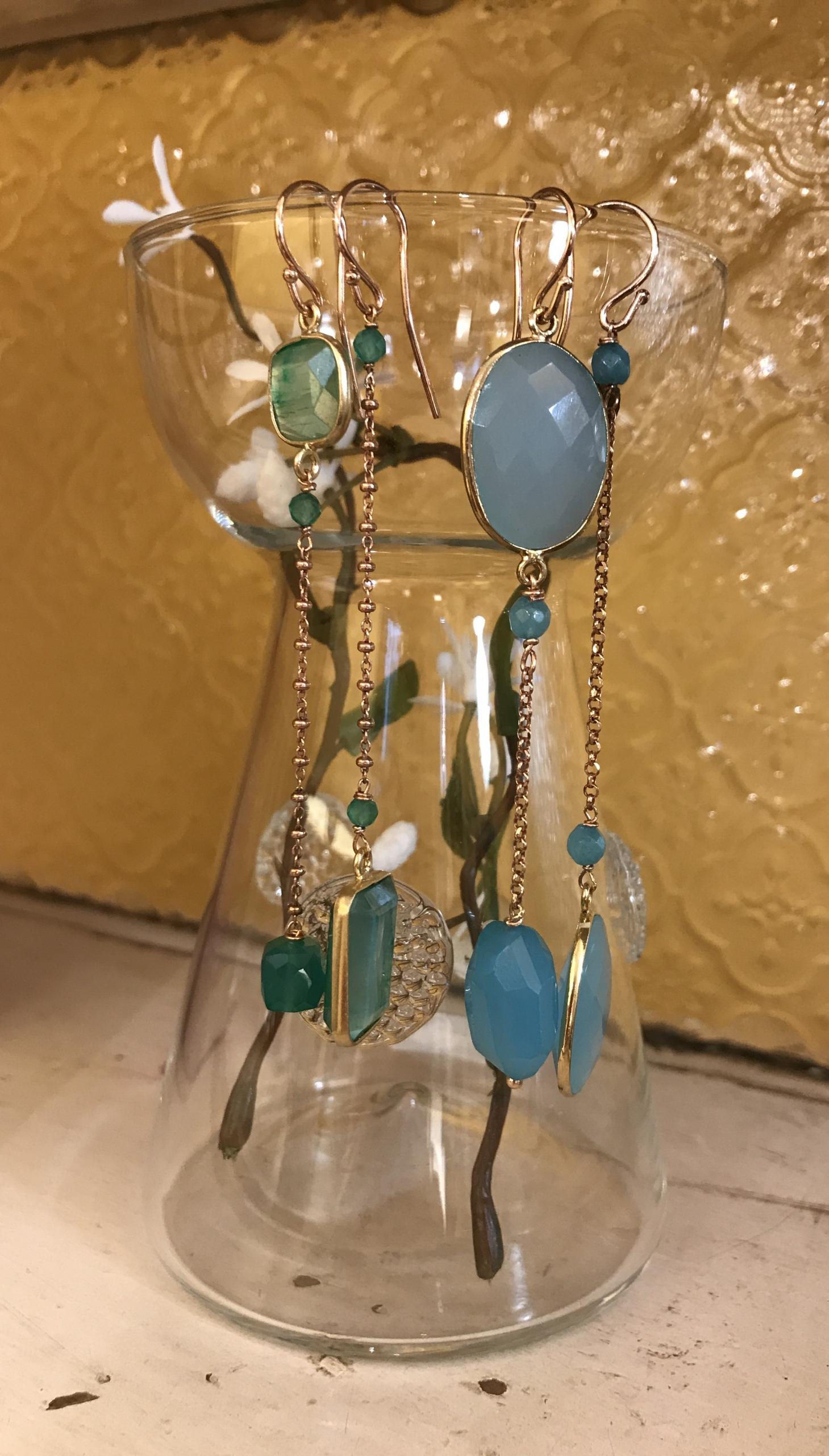 Orecchini in agata e calcedonio (azzurri) - Orecchini in pietre di luna verde