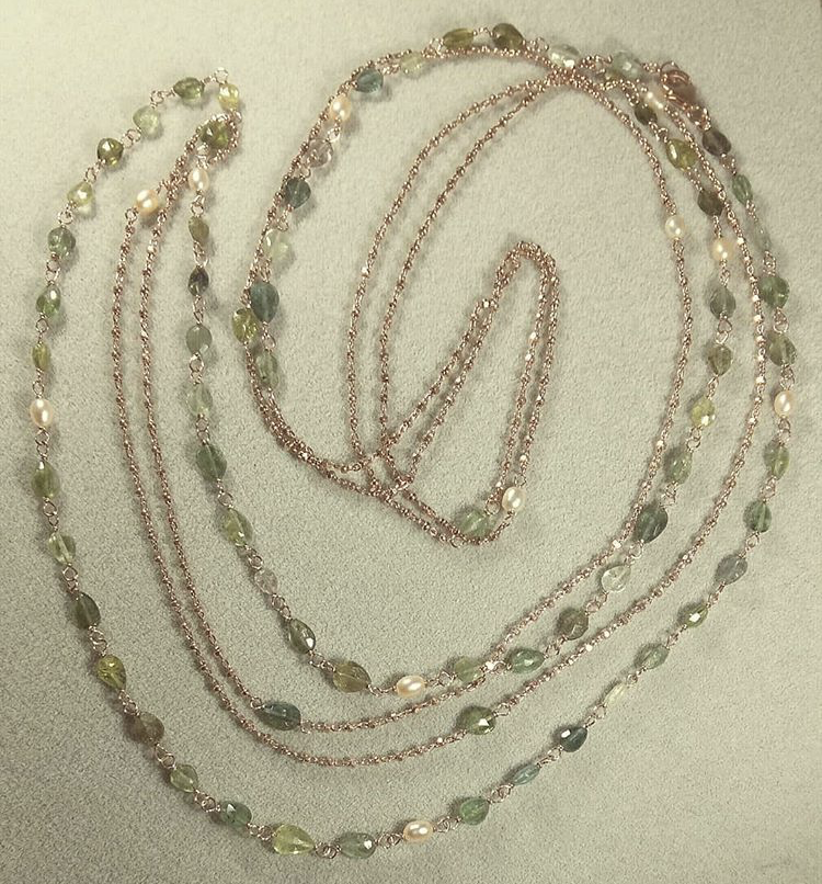 Collana lunga doppia in argento 925 rosata, tormaline e perle di acqua dolce