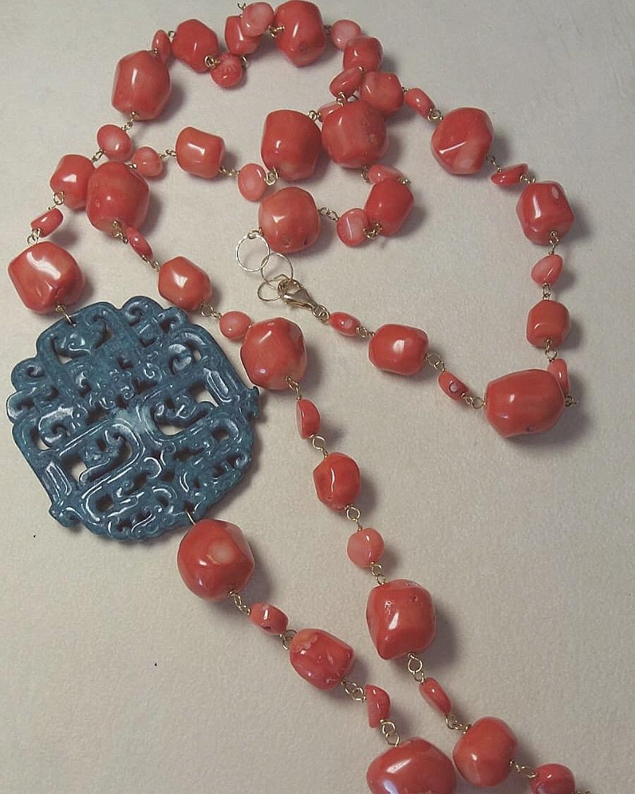 Collana concatenata con corallo bamboo e rosone in giadeite
