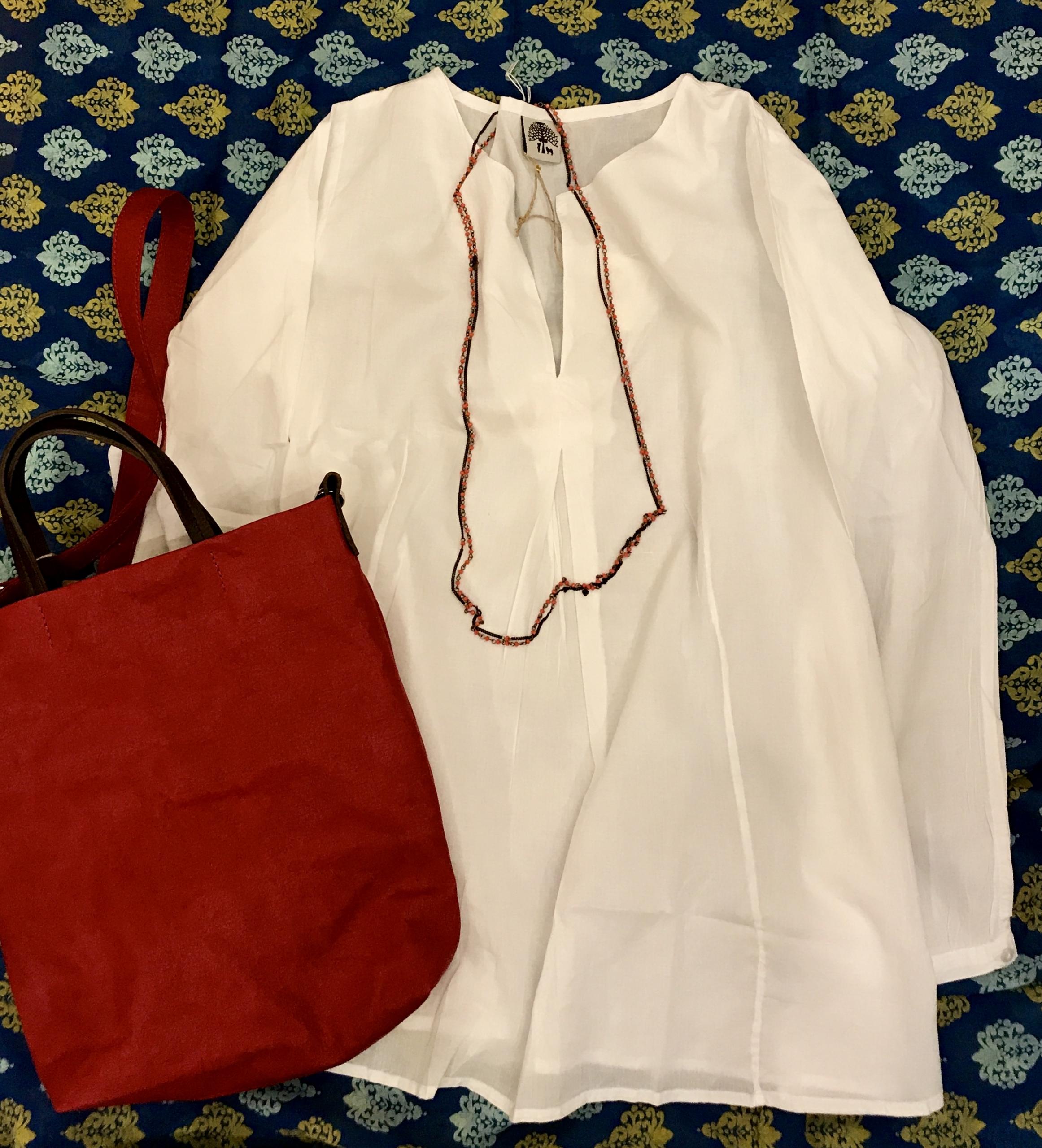 camicia - copricostume 100% cotone, borsa in carta lavabile, collana in rame con cristalli .