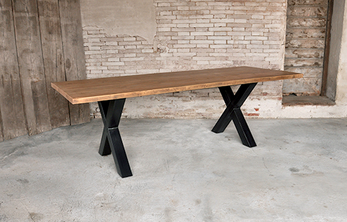 tavolo piano in legno di olmo vecchio gambe in ferro battuto