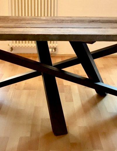 tavolo piano in legno di recupero gambe in ferro battuto