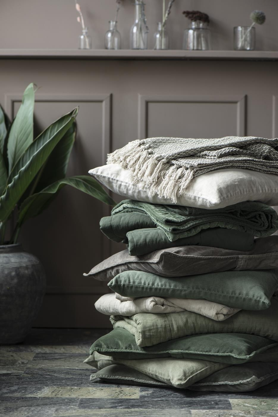 Una sera sul divano – plaid – cuscini…