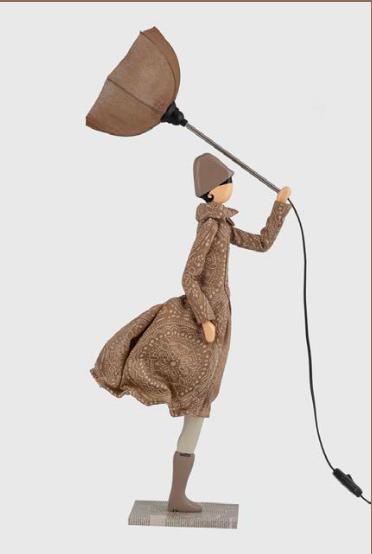 Donna lampada bambola
