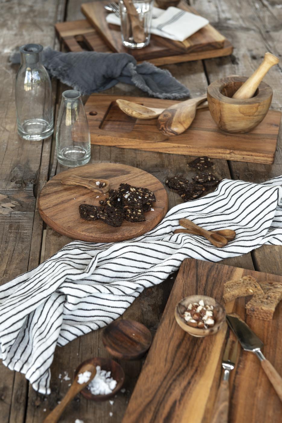 Aperitivi ? Taglieri in legno di acacia