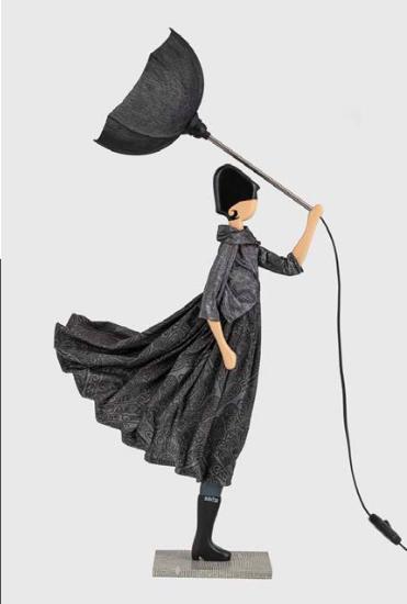 Asimima lampada bambola