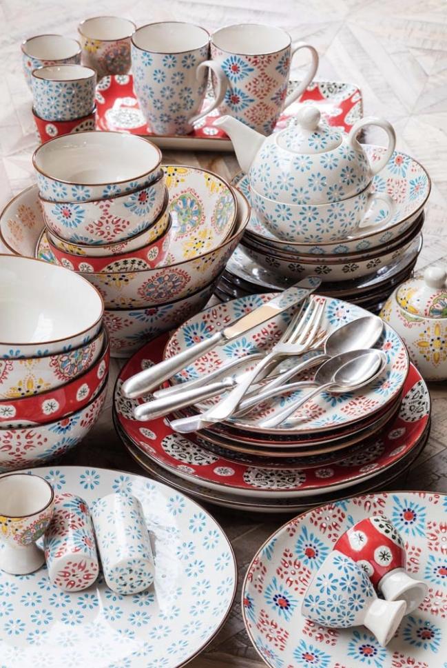 Servizio piatti , ciotole, mug