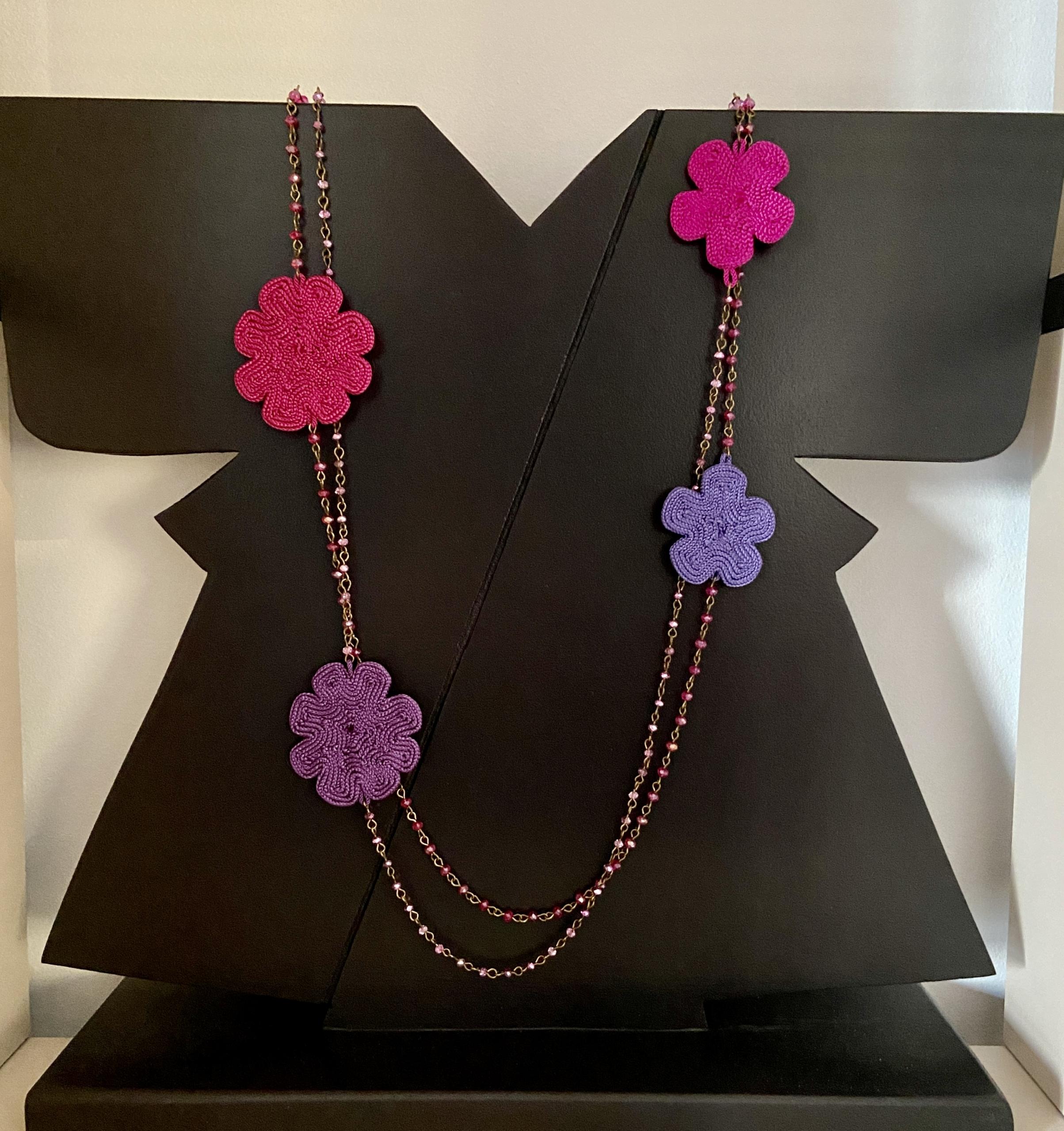 collana in rame, cristalli e fiori in sabra