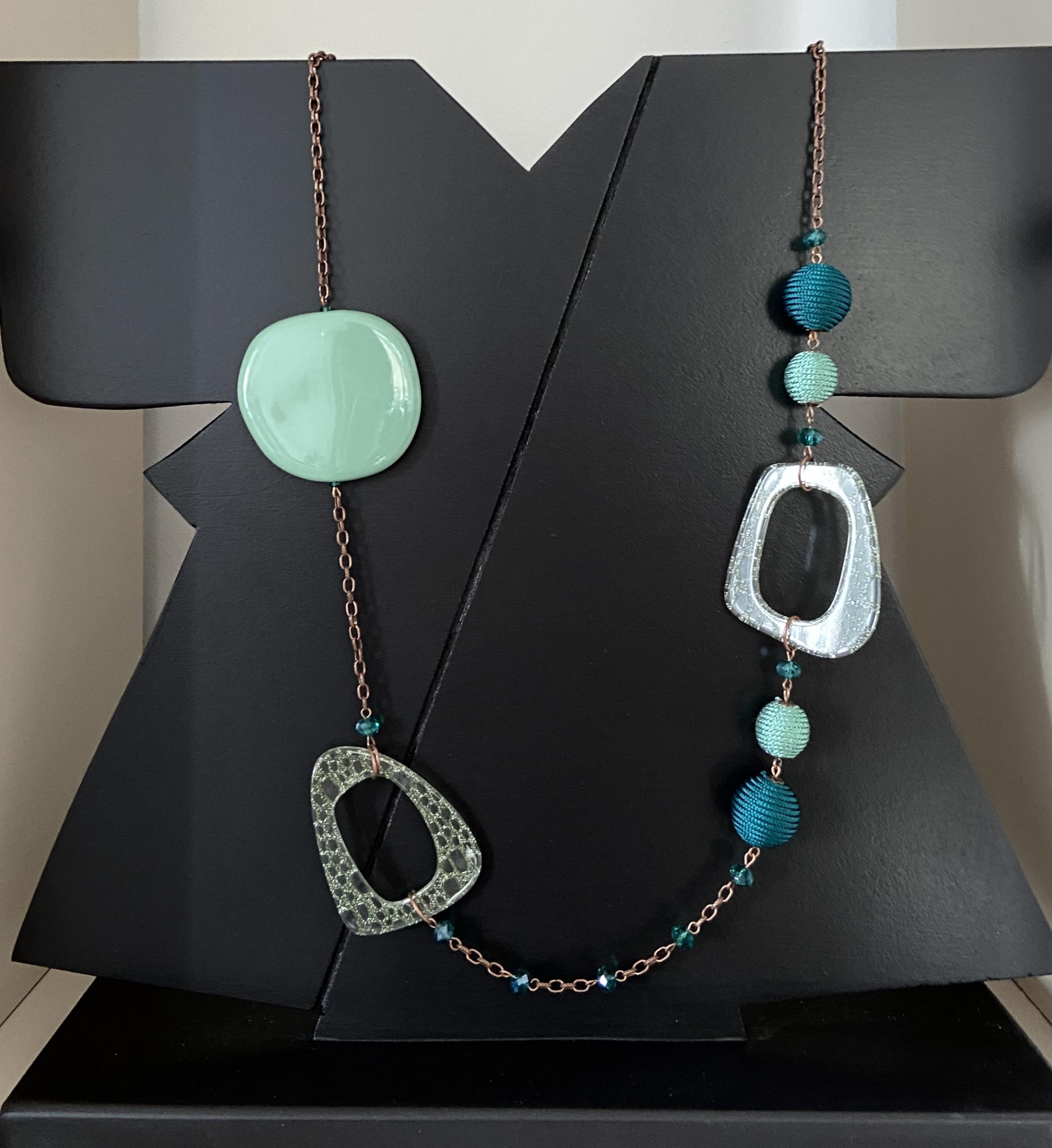 collana rame, resina, cristalli e seta