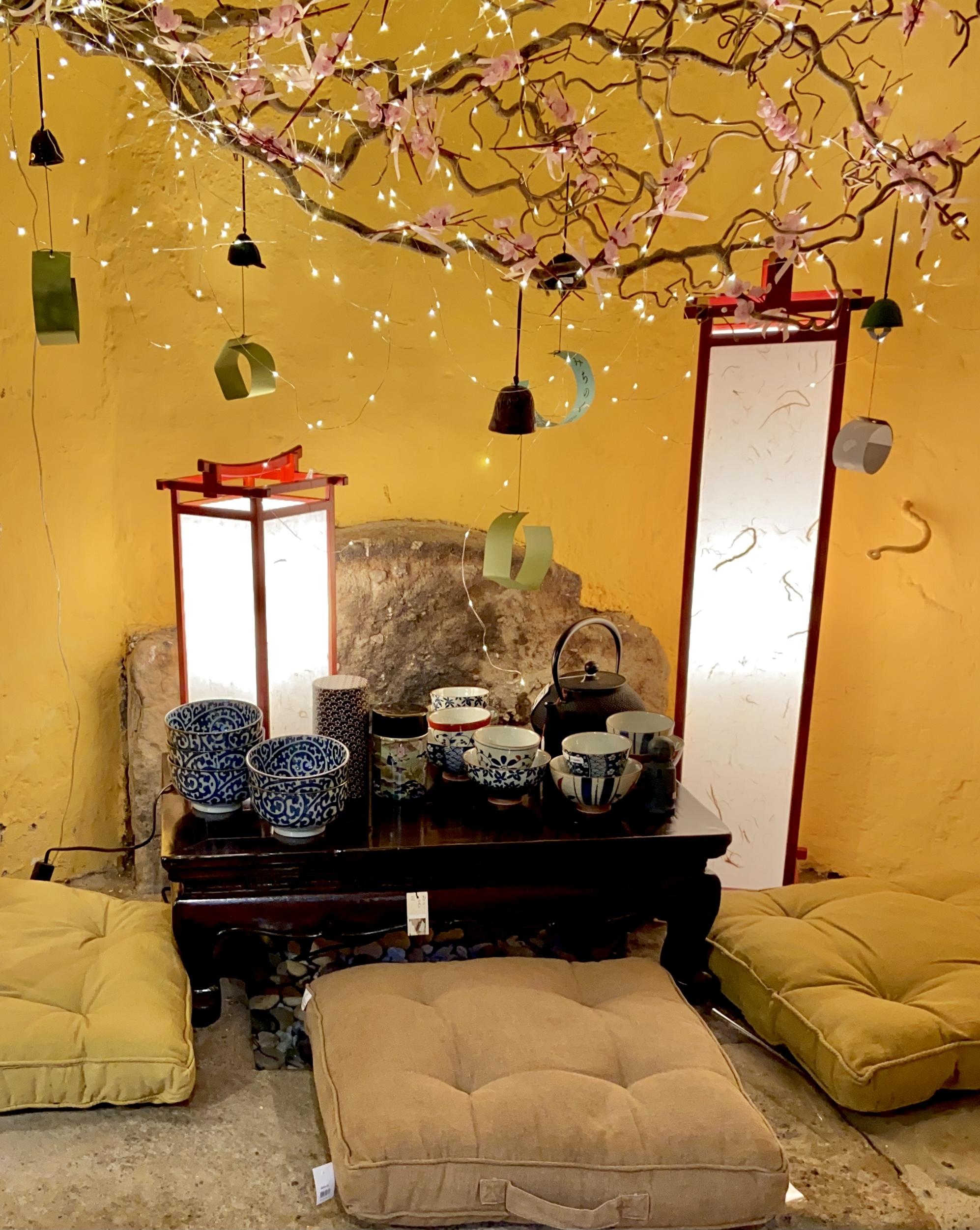 Lampade giapponesi in legno e carta di riso