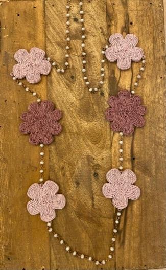 collana in rame , cristalli e fiori in seta